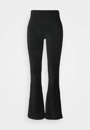 ONLFENJA LIFE FLARED PANT - Pantaloni - black