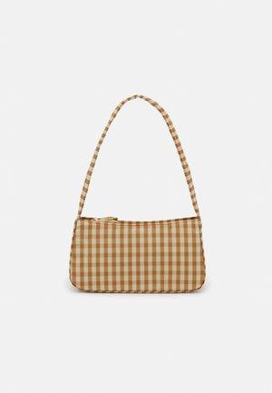 QUILTED BAGUETTE - Handbag - amber