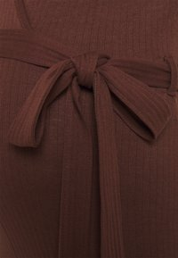 Missguided Maternity - WRAP BELTED - Overal - chocolate - 2
