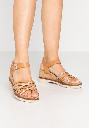 SAMA - Platform sandals - oro/sea/sand