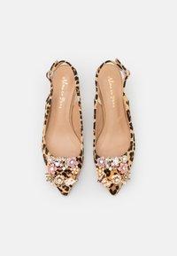 Alma en Pena - Classic heels - multicolor - 5