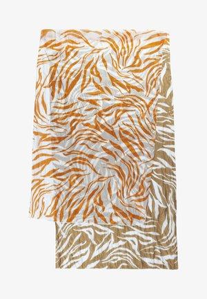 MIT ZEBRA-MUSTER - Scarf - orange