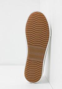 H.I.S - Sneakersy niskie - white - 6