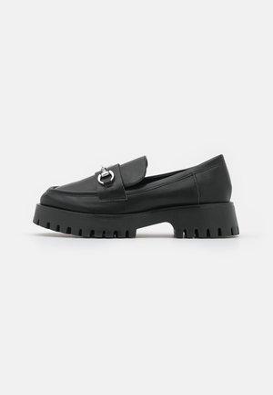 CLUELESS - Slippers - black