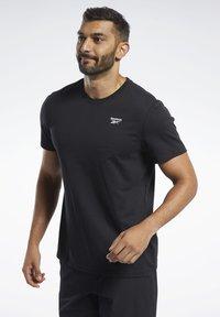 Reebok - TRAINING ESSENTIALS CLASSIC TEE - Basic T-shirt - black - 0