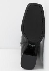 Filippa K - CAMILLE HIGH BOOT - Kozačky nad kolena - black - 6