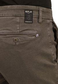 Replay - ZEUMAR HYPERFLEX  - Slim fit jeans - brown - 4