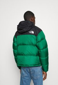 The North Face - 1996 RETRO NUPTSE JACKET - Dunjakke - evergreen - 3