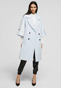 KARL LAGERFELD - Classic coat - artic ice - 0