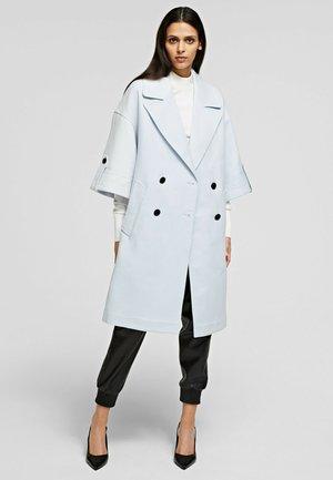 Klassinen takki - artic ice