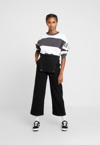 Levi's® - DIANA CREW - Sweater - haley forged iron/white - 1