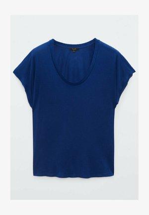 Bluser - blue
