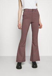 Hollister Co. - Pantalon classique - red/black - 0