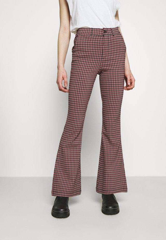Pantalon classique - red/black
