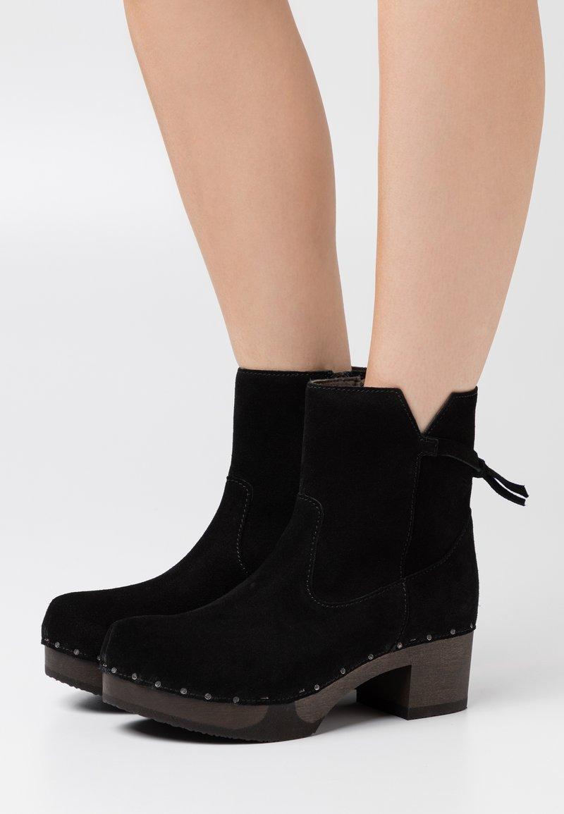 Softclox - Platform ankle boots - black