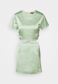 Missguided Petite - CUT OUT BACK TIE CROPTOP AND MINI SKIRT SET - T-shirts print - sage - 0