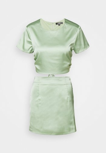 CUT OUT BACK TIE CROPTOP AND MINI SKIRT SET - Print T-shirt - sage