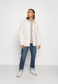 The North Face - MENS VAN LIFE UTILITY JACKET - Outdoor jacket - raw undyed - 1