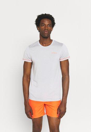 BOGEN - T-shirts print - steam
