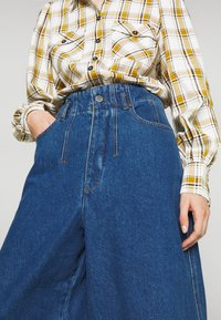 Gestuz - DEAGZ GAUCHO  - Relaxed fit jeans - denim blue - 4