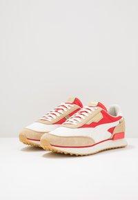 Puma - RIDER - Sneakers basse - whisper white/pebble/high risk red - 2