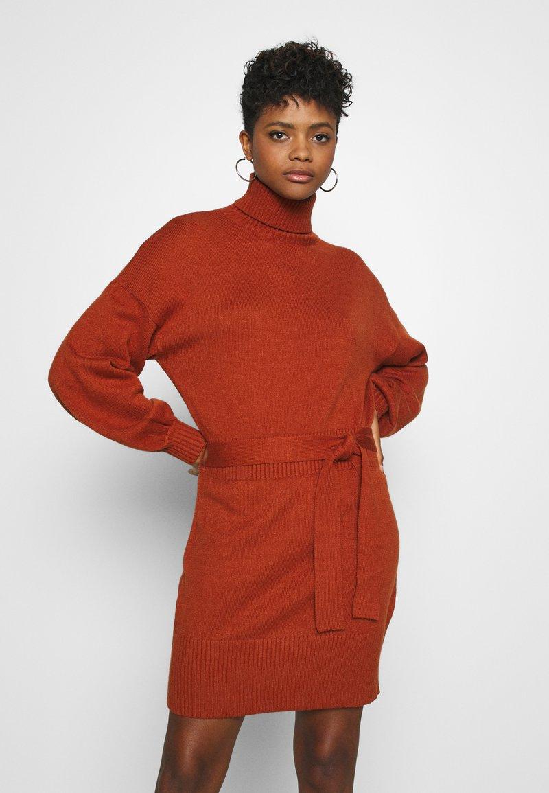 Fashion Union - LEOTI - Jumper dress - brown