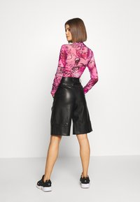 Jaded London - HIGH NECK LONG SLEEVE BODY - Blouse - pink scibble - 2