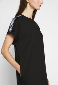 KARL LAGERFELD - MERCERIZED DRESS  - Žerzejové šaty - black - 5