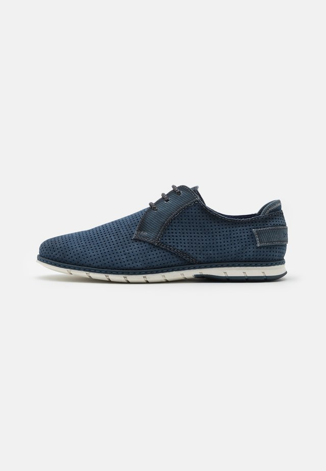 SILVAN - Sportieve veterschoenen - blue
