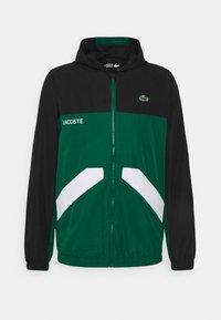 black/bottle green/white