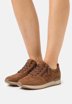 Sneakers laag - new whisky