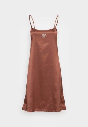 DRESS - Vestido informal - earth brown