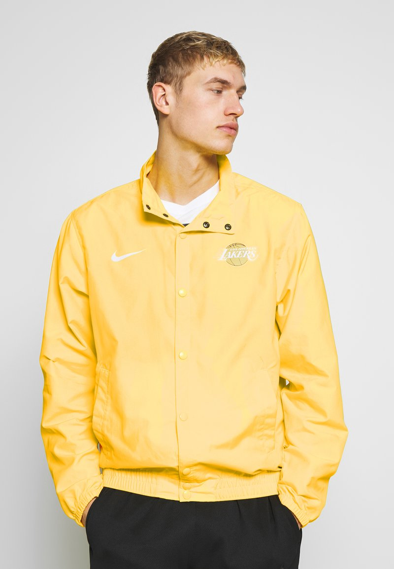 Nike Performance - NBA LOS ANGELES LAKERS CITY EDITION JACKET - Club wear - amarillo/white