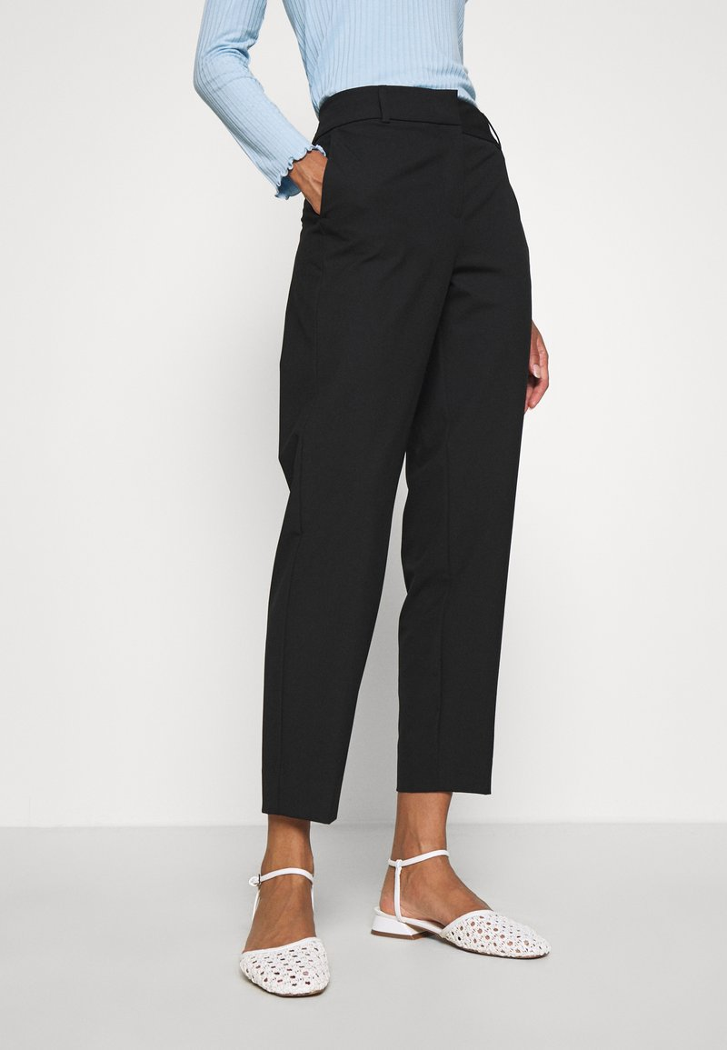 Selected Femme - SLFRIA CROPPED PANT - Trousers - black
