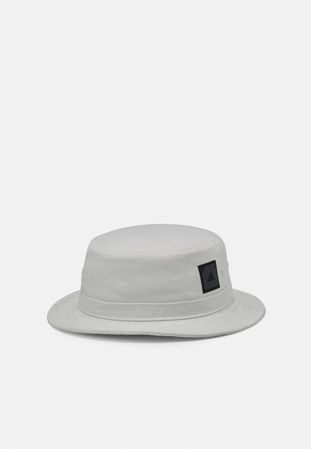 ADI BUCKET - Hattu - white