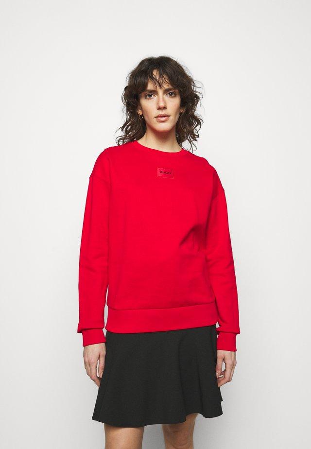 NAKIRA - Sweater - red