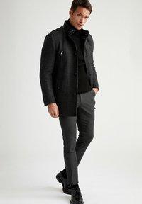 DeFacto - Klassinen takki - black - 1