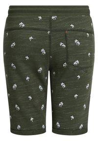 WE Fashion - MET PALMBOOMOPDRUK - Shorts - army green - 4