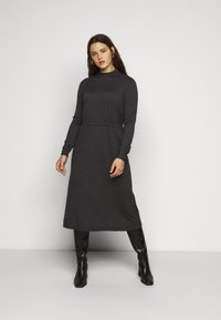 Vero Moda Curve - VMSHARM HIGHNECK DRESS - Jumper dress - dark grey melange - 0