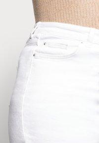 New Look Curves - CAMBODIA - Džíny Straight Fit - white - 4