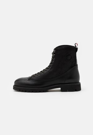 VICIOUS PREMIUM - Lace-up ankle boots - total black
