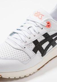ASICS - GELSAGA - Zapatillas - white/black - 5