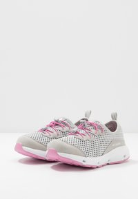 Columbia - YOUTH COLUMBIA VENT - Neutral running shoes - grey ice/orchid - 3
