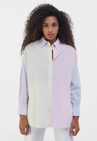Bershka - MIT COLOUR-BLOCK  - Button-down blouse - mauve - 0