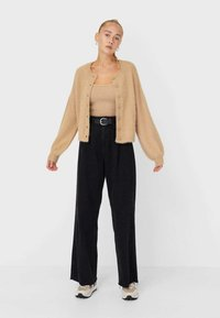 Stradivarius - Top - beige - 1