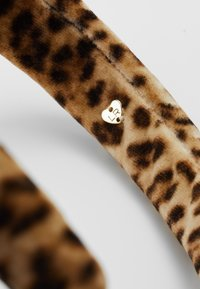 Loeffler Randall - MARINA PUFFY HEADBAND - Hair Styling Accessory - camel - 4