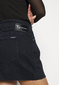 Calvin Klein Jeans Plus - HIGH RISE MINI SKIRT - Mini skirt - black denim - 5
