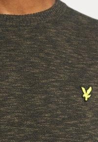 Lyle & Scott - JUMPER - Stickad tröja - trek green/jet black - 5