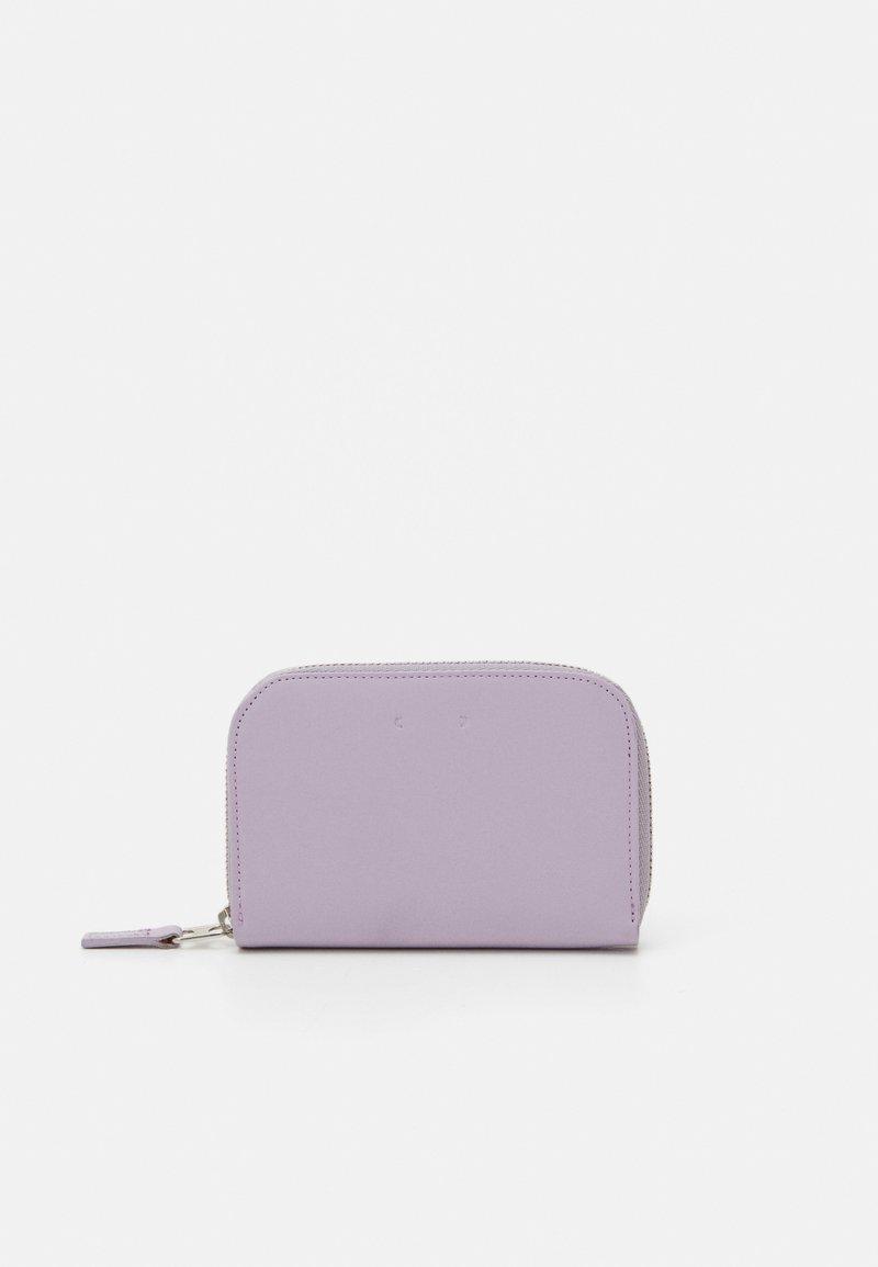 PB 0110 - Peněženka - light violet