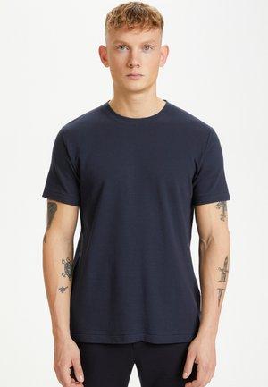 MAJERMANE RIPPLE STRIPE - T-shirt basic - dark navy